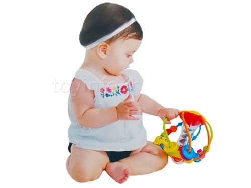 کودک و اسباب بازی جغجغه