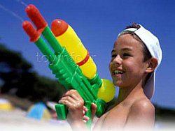 تمایل کودکان به اسلحه اسباب بازی