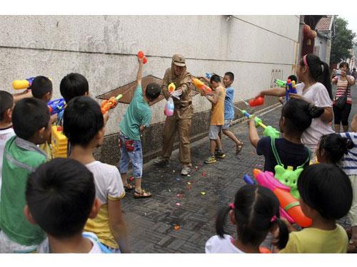 ژاپنی ها و اسلحه اسباب بازی