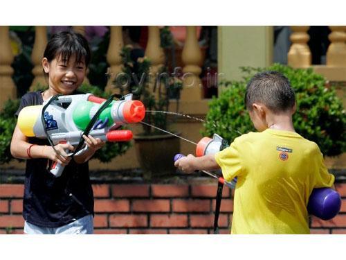 اسلحه اسباب بازی در مهد کودک های ژاپن
