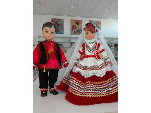 عروسک دارا و سارا با لباس محلی