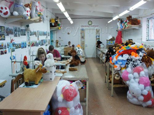تصویری از یک کارگاه اسباب بازی در روسیه