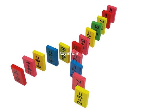 قطعات چوبی رنگی دومینو ریاضی