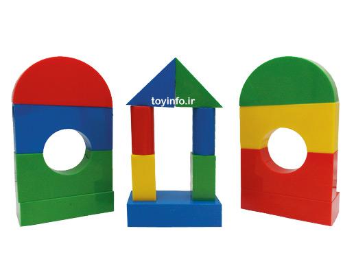 بلوک های چیدنی بر روی یکدیگر برای کودکان خردسال