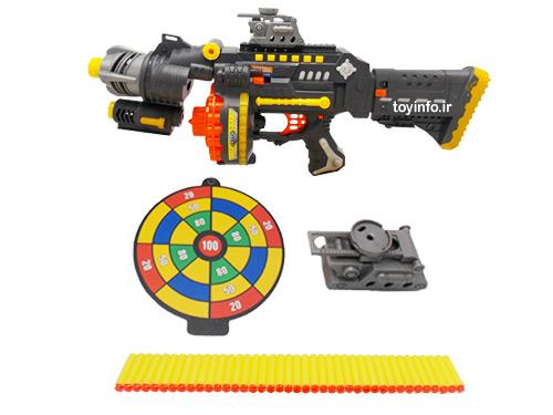 تفنگ اسباب بازی به همراه وسایل جانبی