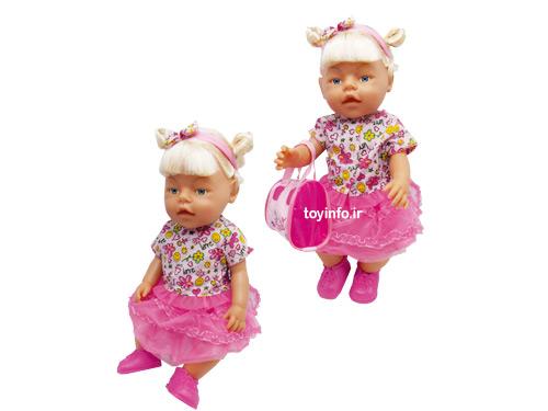 عروسک دختر کوچولو در حالت نشسته و ایستاده