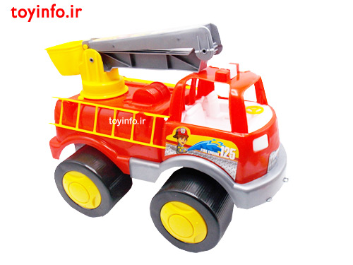 زاویه جانبی از ماشین آتش نشانی