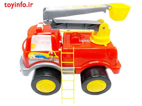 ماشین آتش نشانی با نردبان