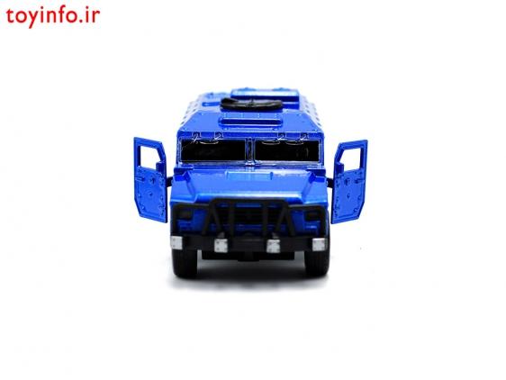 ماشین فلزی آبی از زاویه جانبی