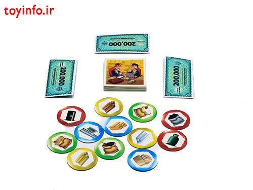 قطعات بازی شامل ژتون ها ، کارت ها و اسکناس ها