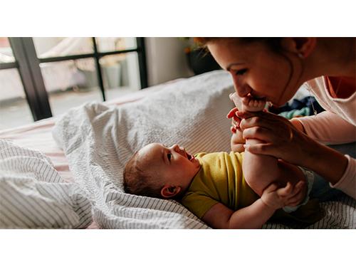 مادر پاسخگو به نیازهای کودک